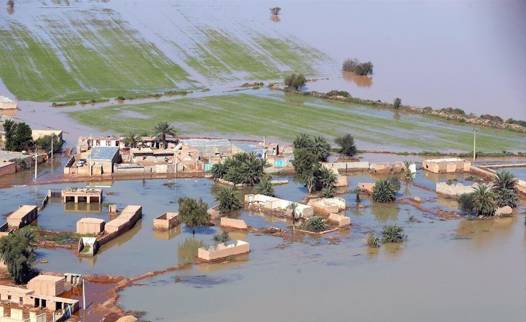 خبرنگاران کرونا، سیل و ملخ سه بحران دست به گریبان خوزستان