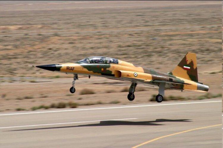 تحویل 3 فروند جنگنده کوثر به ارتش