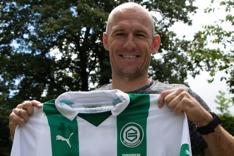 (عکس) روبن به فوتبال هلند برگشت