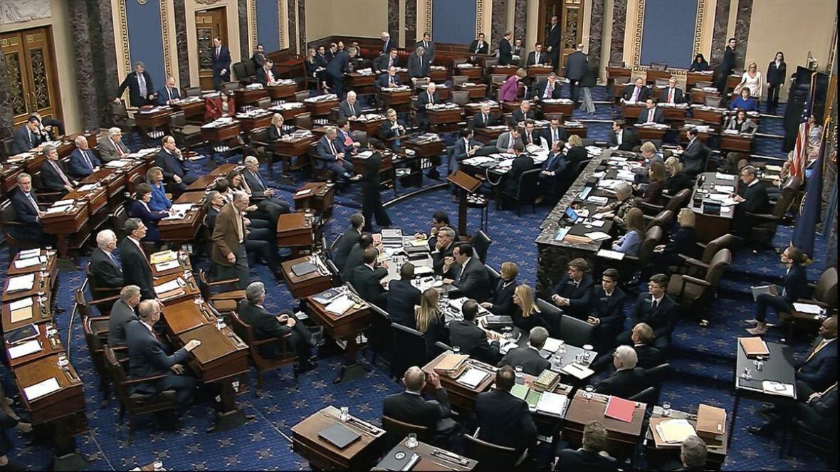 صف آرایی سناتورهای آمریکایی مقابل ترامپ