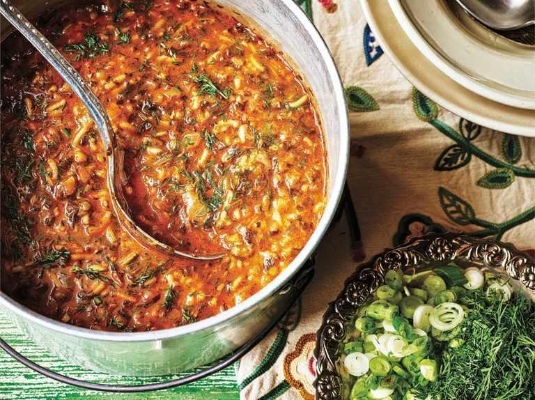 طرز تهیه آش گوجه فرنگی خوشمزه برای تقویت سیستم ایمنی بدن در برابر کرونا