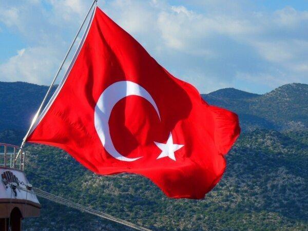 ترکیه: عراق مسئول حضور پ.ک.ک در شمال این کشور است، فرانسه: آنکارا درباره حملاتش شرح دهد