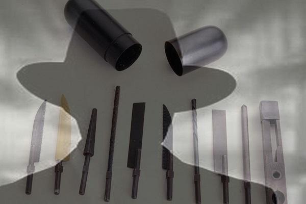 عجیب ترین ابزارهای جاسوسی که باورتان نمی گردد؛ از موش مرده تا خنجری به شکل پیپ!