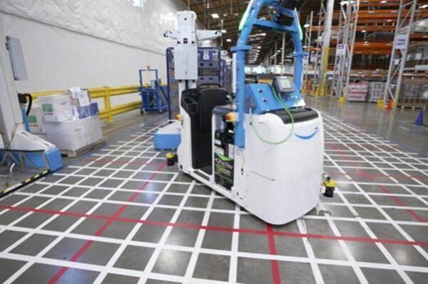 آمازون در انبارهای خود از ربات استفاده می کند
