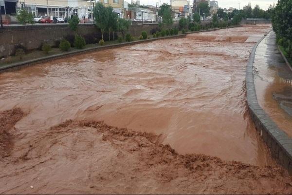 هشدار نسبت به جاری شدن روان آب در مسیل ها